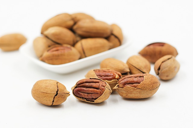 eating nuts
