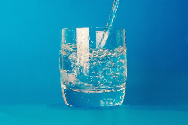 Overweight and obese people should drink more water