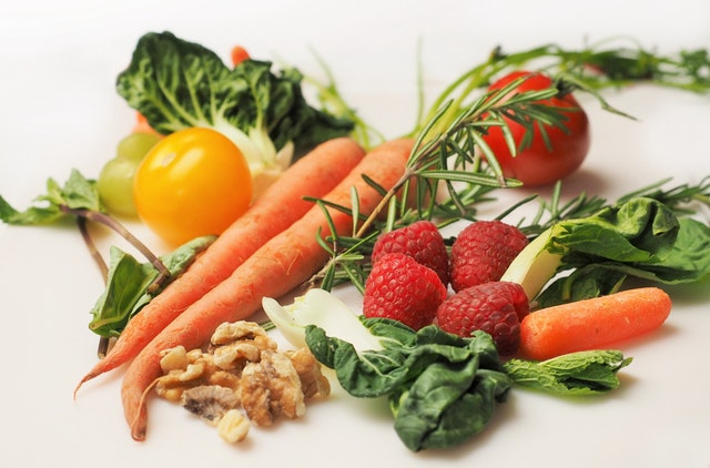 Eating more fruit and vegetables may reduce breast cancer risk
