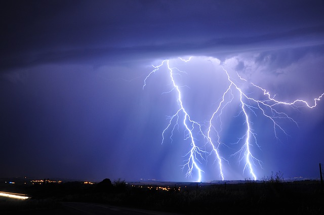 Lightning may prevent hackers from damaging power grids