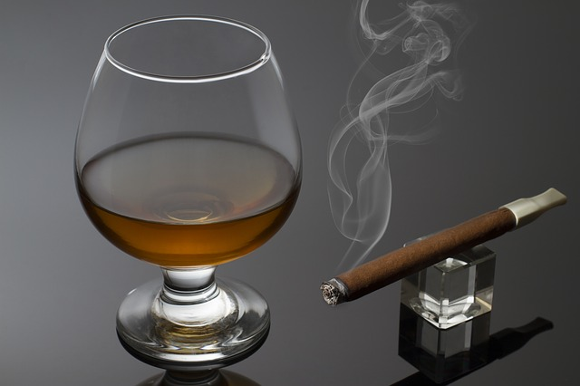 Smoking and drinking alcohol may be double trouble for the brain