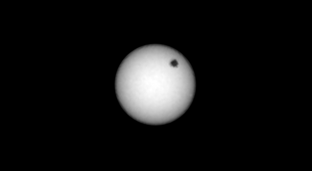 NASA's Curiosity observes solar eclipses on Mars