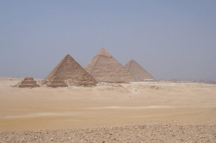 Scientists decode mystery of Egyptian desert glass